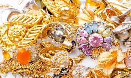 Vælg smykker efter din hudtone