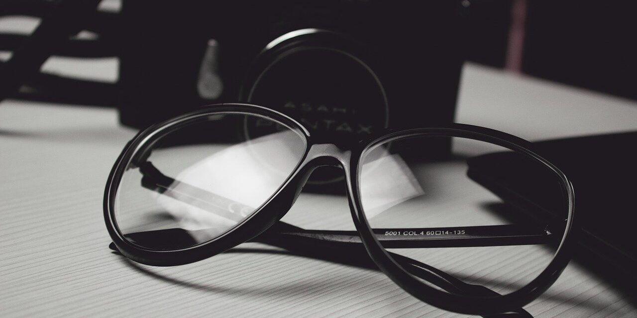 Samsynstræning eller briller?